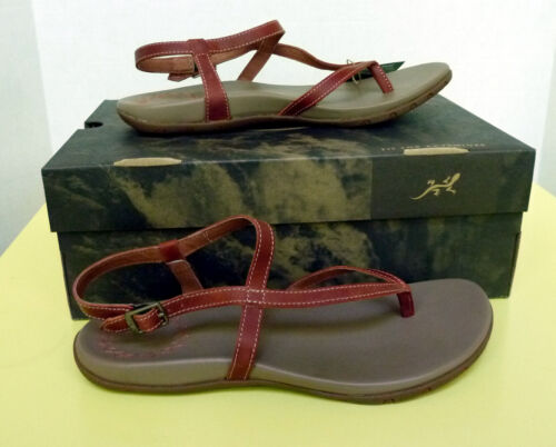 New Women`s Chaco Rowan Thong Leather Sandals J106484