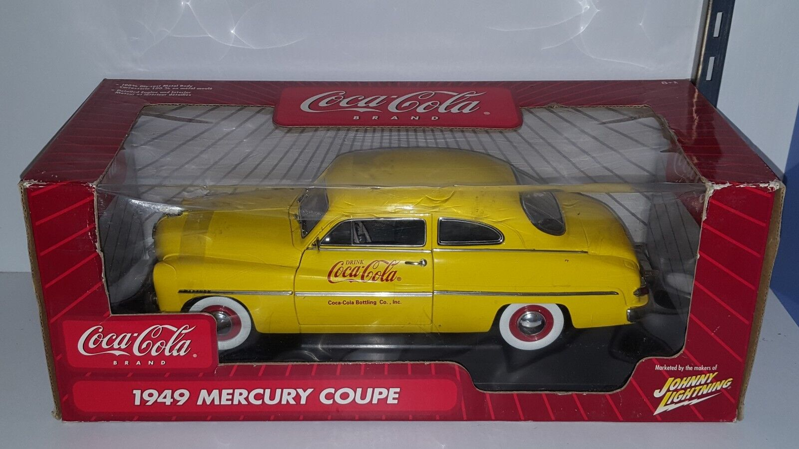 1 18 JOHNNY LIGHTNING COCA COLA 1949 MERCURY COUPE YELLOW bd
