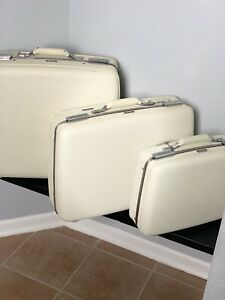 1960's Vintage American Tourister 3 Pc Luggage Set
