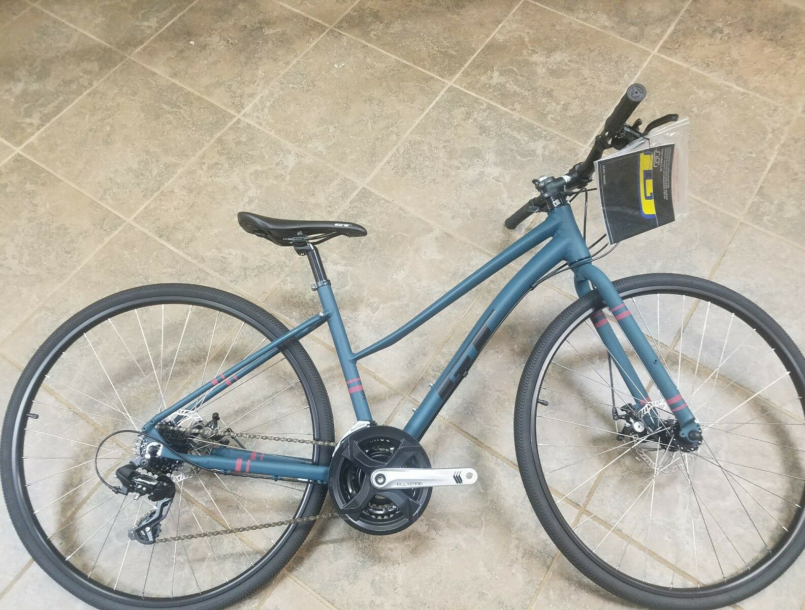 NEW GT TRAFFIC 3.0 COMMUTER ,BIKE PATH, CITY, URBAN ,  DISC BRAKES 21SPD LAST 1