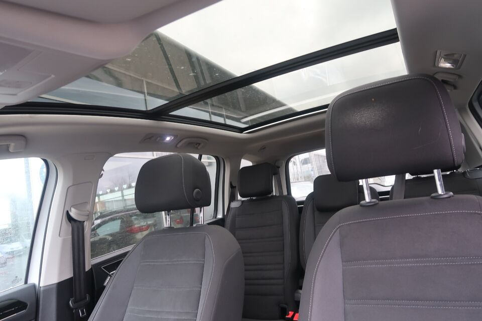 VW Touran 2,0 TDi 150 Highline DSG 7prs Diesel aut.
