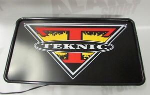 Lightbox-Teknic-sign-Lighting-Fixture-Illuminated-for-Clothing