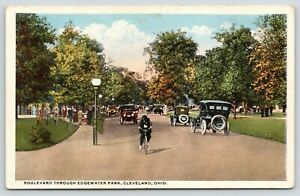 Cleveland-Ohio-Boulevard-Through-Edgewater-Park-Man-on-Bicycle-Lots-of-Cars-039-20s