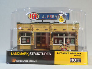 WOODLAND-SCENICS-HO-SCALE-J-FRANK-039-S-GROCERY-STORE-BUILT-amp-READY-gauge-5050-NEW