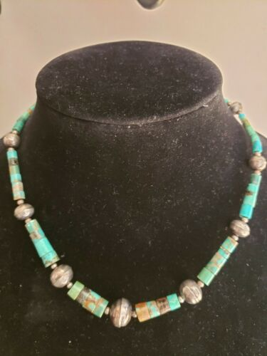 VINTAGE  GRADUATED  TURQUOISE SILVER BEAD NECKLACE