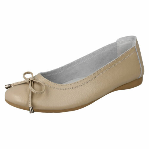 DOWN TO EARTH F8R0380 Ladies Leather Slip On Flat Shoe