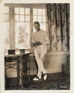 Maurice-Chevalier-Beverly-Hills-1930-Paramount-Photo