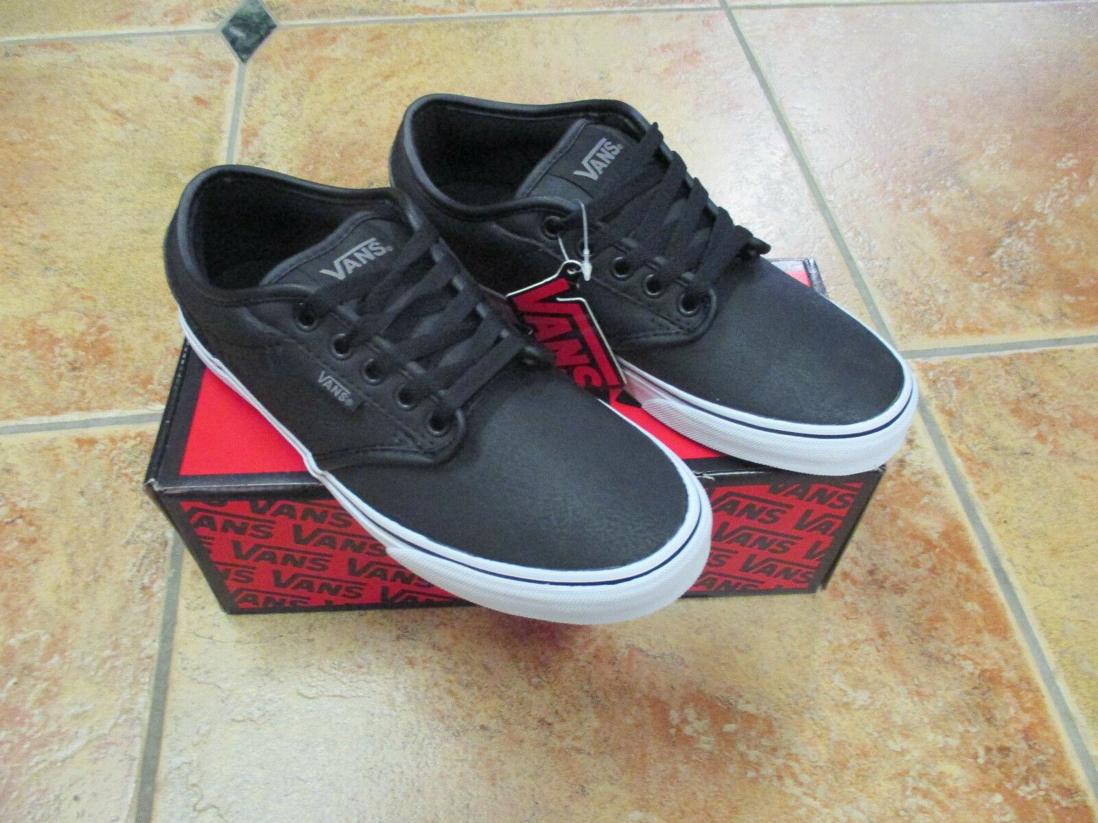 VANS  Atwood White (Buck Leather) Black / White Atwood Gr. 40 US 7,5  Mod. VN-OX BODA7  NEU 4d577a