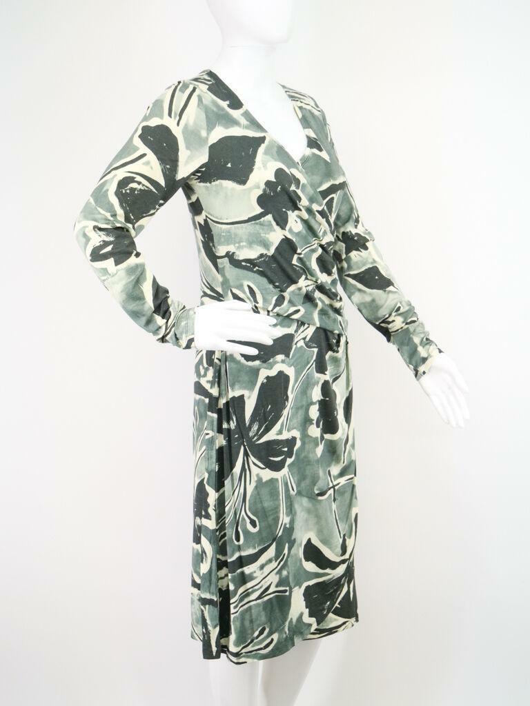 Edles Wickelkleid florales Muster M von Cut Loose Berlin Design Kleid