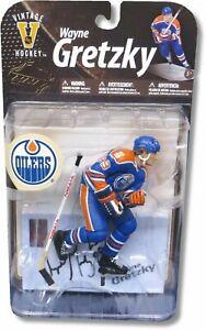 Wayne-Gretzky-Signed-Autographed-Oilers-Blue-Road-Vintage-McFarlane-Figure-WGA