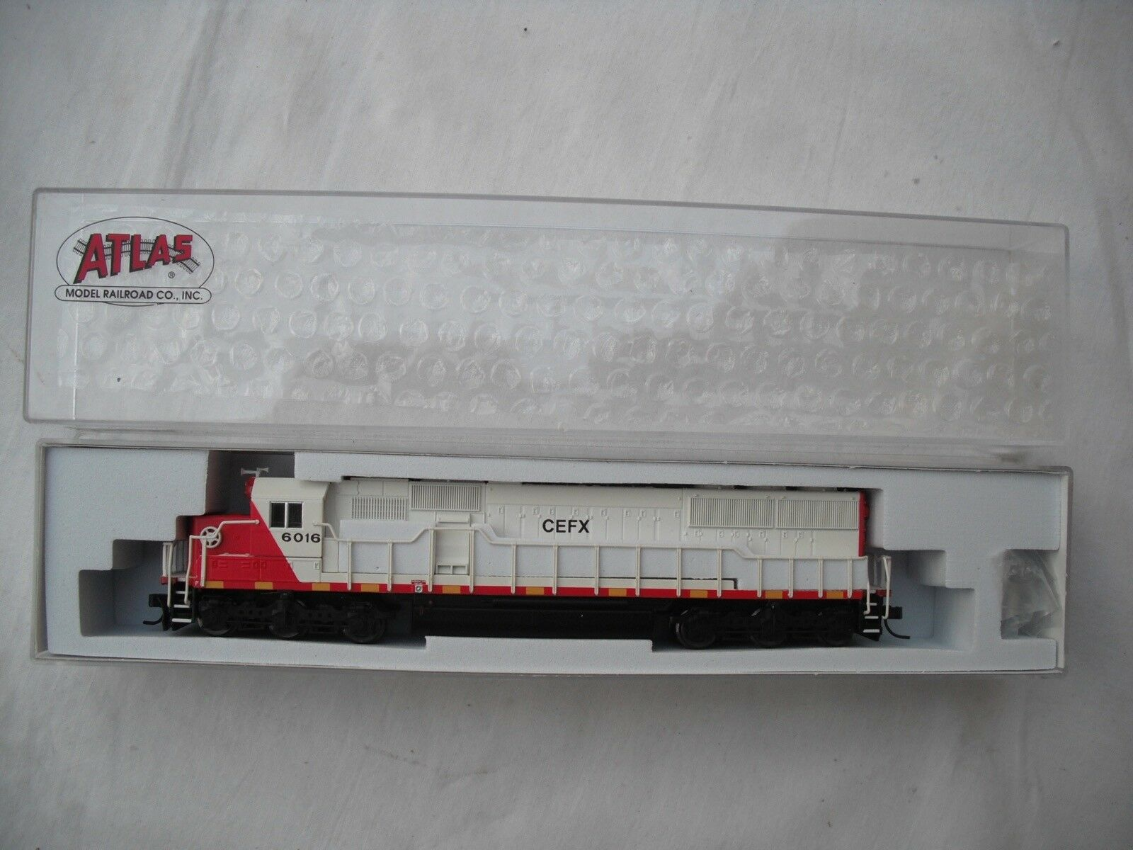 Atlas 49140 SD-60 SD60, CEFX Leasing 6016, DCC, Diesel Locomotive Engine,N Scale