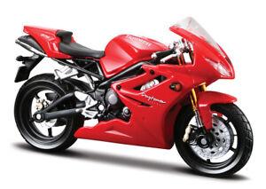Motorrad-Modell-1-18-Triumph-Daytona-675-rot-von-Maisto-mit-Wunschkennzeichen