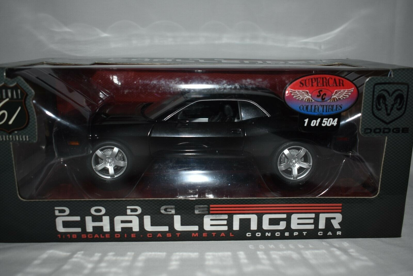 Highway 61 1 18 Dodge Chtuttienger SUPERauto Collectibles 1 di 504 Nero