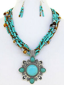 Western-Cowgirl-Turquoise-Seed-Bead-Silver-Tone-Concho-Pendant-Necklace-Set