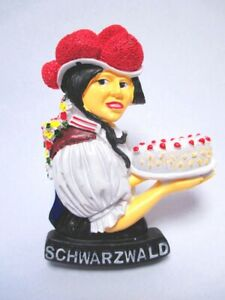 Schwarzwald-Torte-Tracht-Magnet-Poly-7-5-cm-Germany-Souvenir