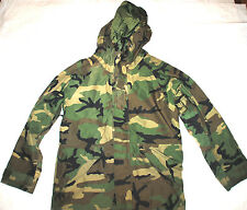 US ARMY ECWCS WOODLAND GORE-TEX COLD WEATHER PARKA - MEDIUM REGULAR
