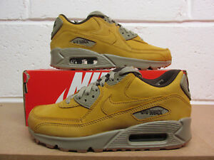 best loved e97b3 3eaea Image is loading Nike-Air-Max-90-Winter-Womens-trainers-880302-