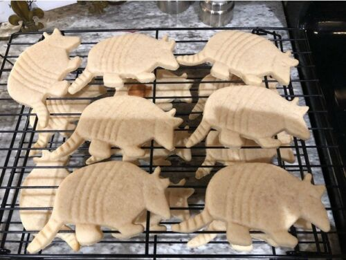 Armadillo Cookie Pastry Biscuit Cutter Icing Fondant Baking Kitchen Fly Cute Fun