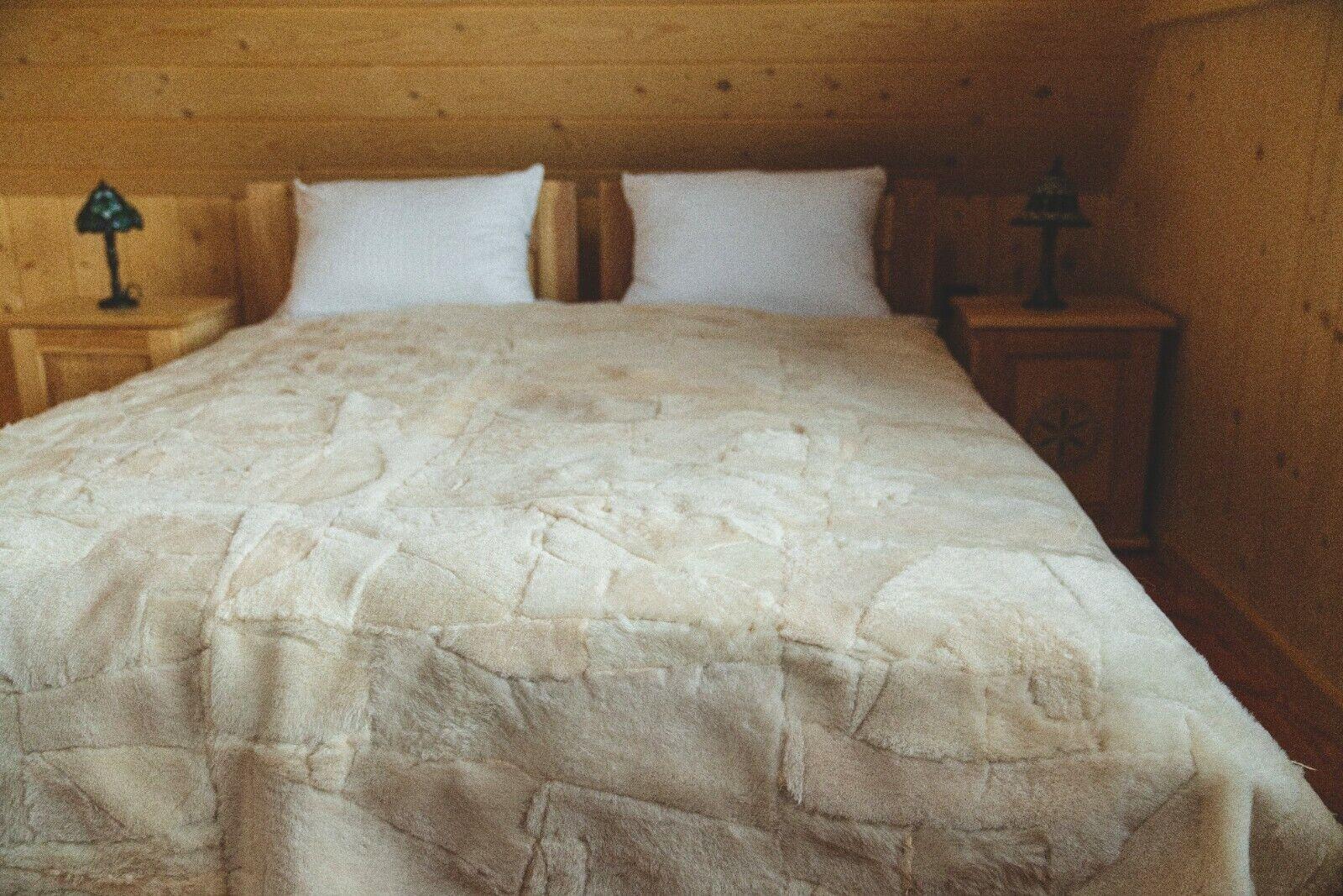 Toscana Lammfelldecke hell beige abgefüttert 200x160 cm Schaffelldecke Felldecke