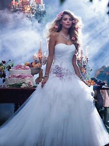 NWT-Alfred-Angelo-238-FAIRY-TALE-WEDDINGS-Sleeping-Beauty-Size-12-Ivory-Dusk