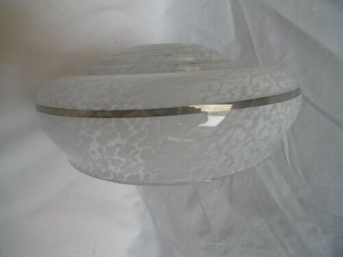 abat-jour en opaline gris moucheté et argent trou de 28 mm époque 1950 réf AC8
