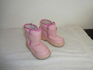 Toddler Little girls light pink Size 8 Rubber  Sole Winter Snow Boots New