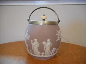 Wedgwood-lilac-jasper-dipped-biscuit-barrel-ivory-finial