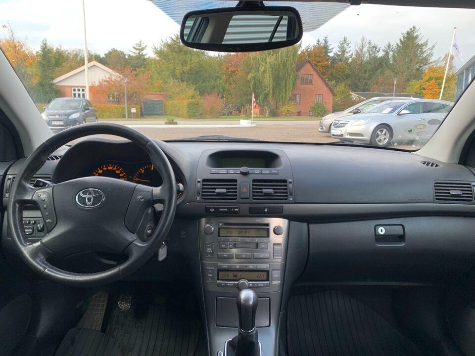 Toyota Avensis 2,0 D-4D Executive stc. Diesel modelår 2004