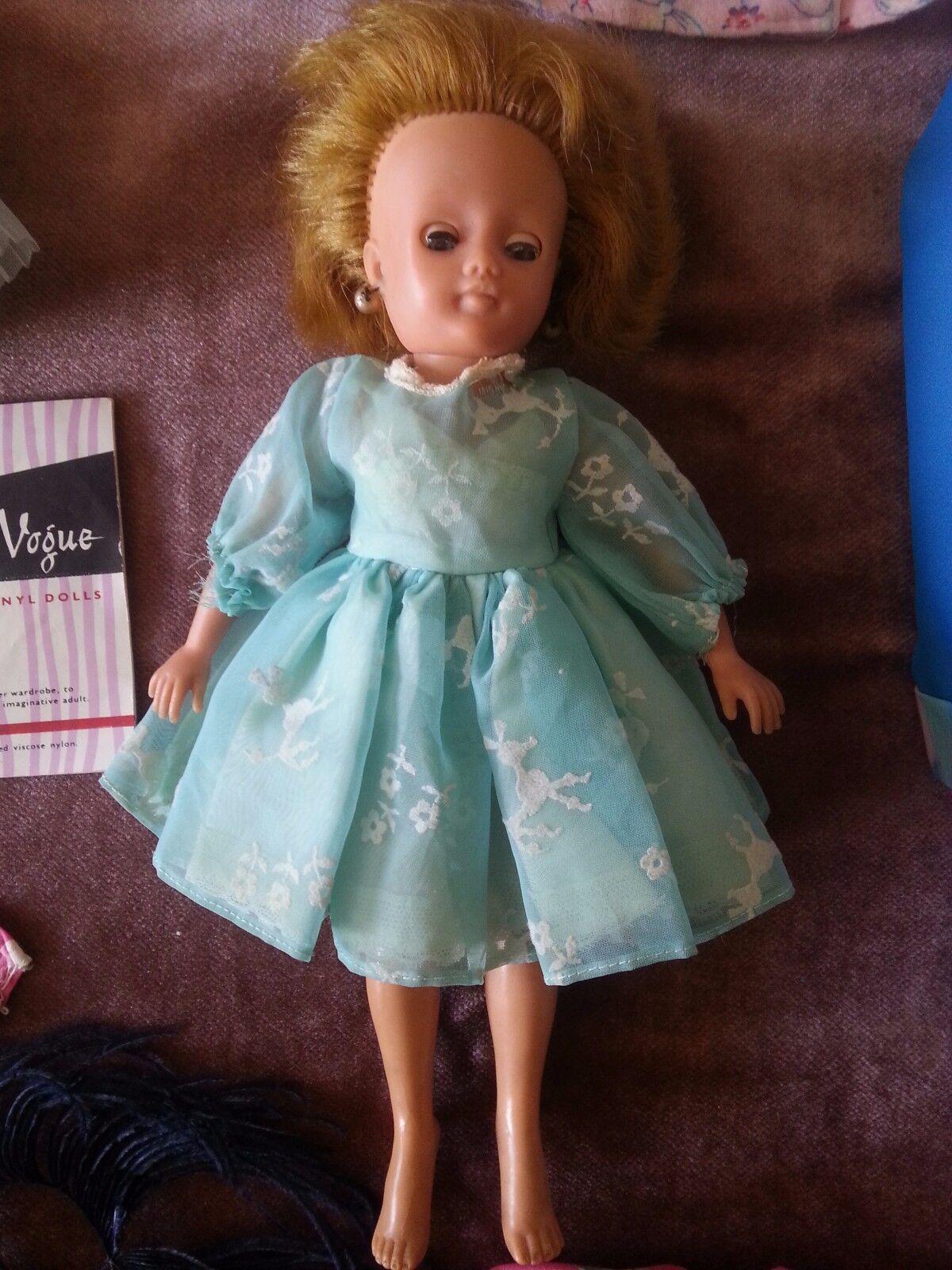 1959 Pedigree Little Miss Vogue 10  doll wearing original Kleid