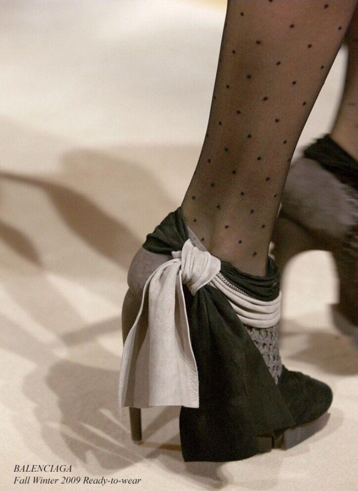BALENCIAGA Bottes Bottes Bottes Bow en daim noir talons hauts bottes 39.5 Italie Retail  1085 8d408d