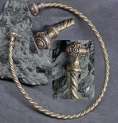 Gr.l Flexibel Torque Bronze Keltischer Halsreif Mittelalter Halsschmuck Torques Reich An Poetischer Und Bildlicher Pracht
