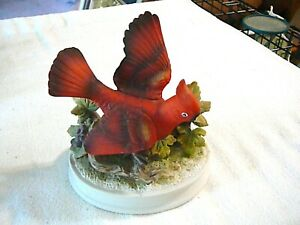 Royal-Crown-Porcelain-Male-Cardinal-Marked-11-493-Figurine-REALLY-NICE-CONDITION