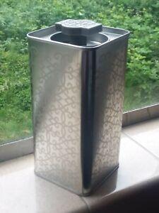 Lot-of-4-New-Silver-tone-Geometric-pattern-Tall-Square-Empty-Tins-w-Lids-Tea
