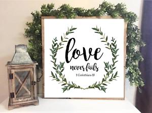 Love Never Fails Wreath Farmhouse Style Family sign Home Decor Print 20 x 20 cm