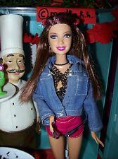 Barbie Puppe, Fashionista mit Glitzerhaarsträhne, Spielzeug,Sammlung, Puppe,Doll