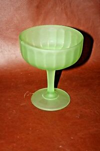 Vintage-6-034-Tall-Frosted-Green-Satin-Glass-Stemmed-Compote-Dish