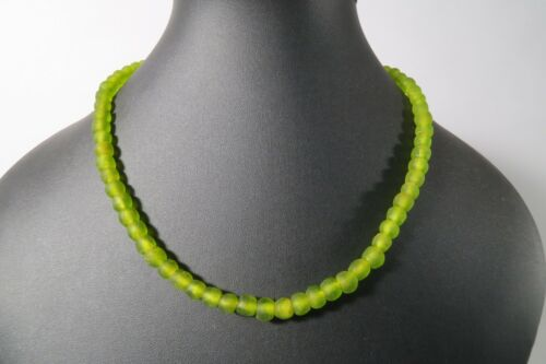 Strang Pulverglasperlen 8mm Krobo grün G2 Recycling Powder Glass Beads Afrozip