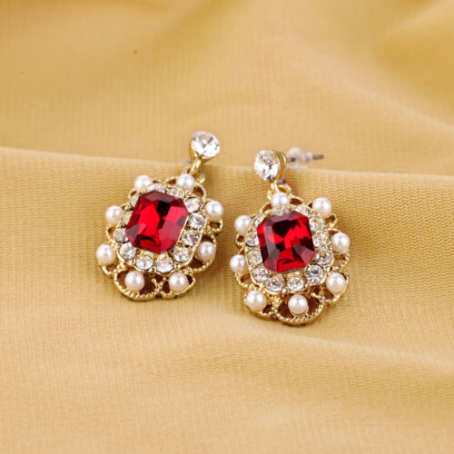 Boucles d/'Oreilles Clous Doré Mini Perle Rouge Vintage Mariage Class  C9