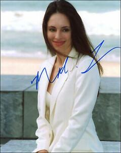 Madeleine-Stowe-034-Revenge-034-AUTOGRAPH-Signed-039-Victoria-Grayson-039-8x10-Photo