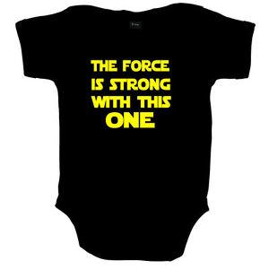 DIE MACHT IST STARK STAR WARS LUSTIG BABY BODY STRAMPLER BABYSHOWER GESCHENK
