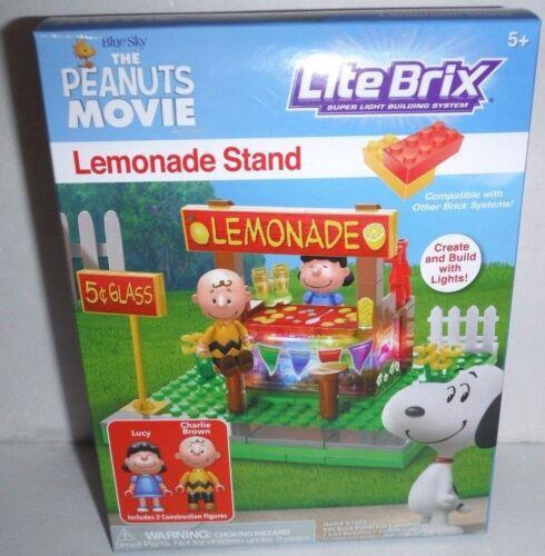New Cra-Z-Art The Peanuts Movie Super Brix Lemonade Stand Building Blocks