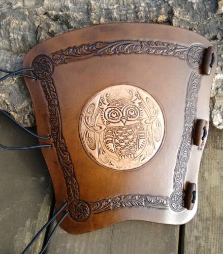 2 in rilievo Tono celtica Owl Cuoio Archery Arm Guard pagane BRACER Armguard larp