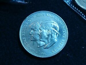 1981 WEDDING COIN  Lloyds Bank LADY DIANA /& PRINCE OF WALES H.R.H