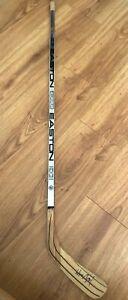 Wayne-Gretzky-signed-autographed-Kings-authentic-Easton-HXP5100-hockey-stick-JSA