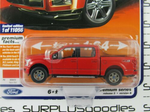 Auto World 1:64 2020 R3 Muscle Trucks Race Red 2019 FORD F-150 LARIAT Pickup B