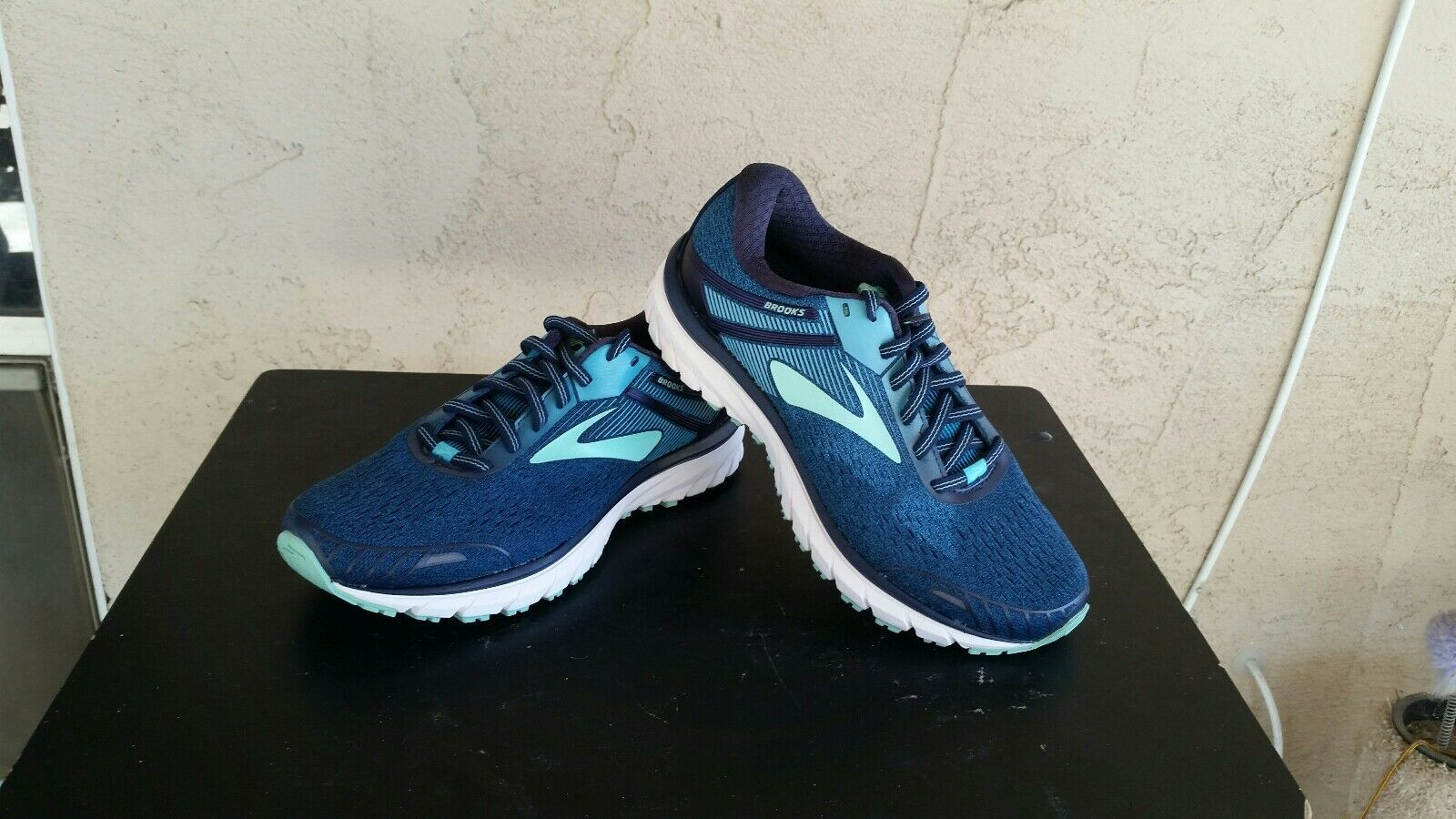 Brooks Adrenaline GTS 18 Women's Size 6.5 B Running Running Running shoes 1769de