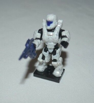 HALO ECHO SERIES SPARTAN DEFENDER WHITE WITH COVENANT CARBINE LOOSE