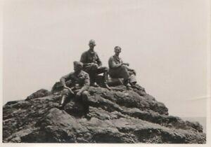 Echtes-Soldatenfoto-2-Weltkrieg-Berggipfel