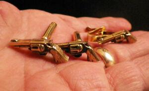 Mid Century Vintage Gun Cufflinks Wild West Pearl Handle Six Shooter Gun Tie Bar Scroll Pattern