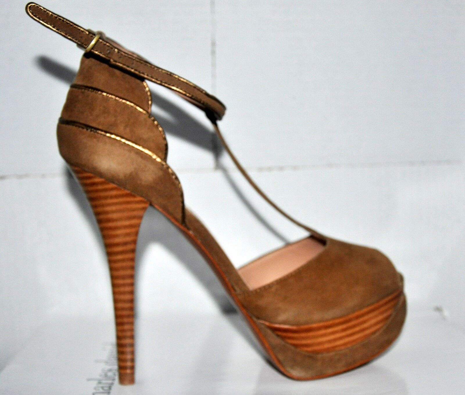 New Display Charles David Bodacious Women's Taupe Suede Platforms shoes  230 8